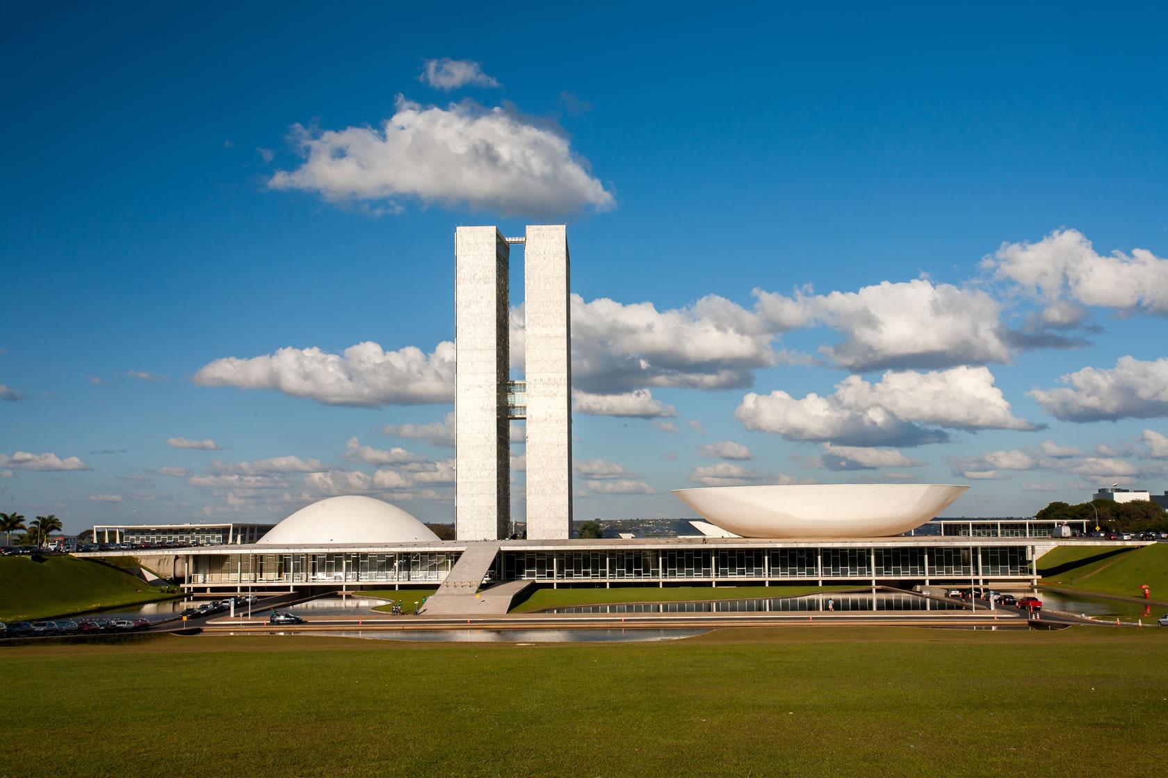 governo-estuda-o-congelamento-de-aposentadorias-e-pensoes-www.aposerv.com.br